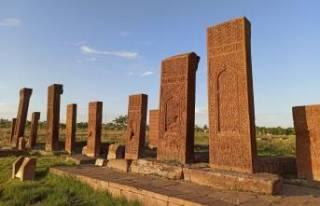 Dünyanın en büyük İslam mezarlığı yeniden...