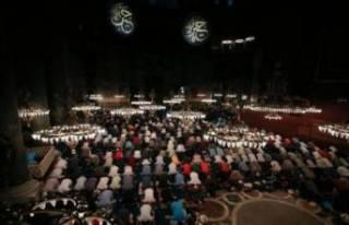 Ayasofya Camii'nde ilk sabah namazı kılındı