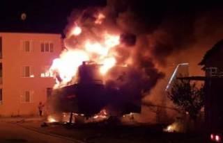 Bursa'da lüks yat alev alev yandı