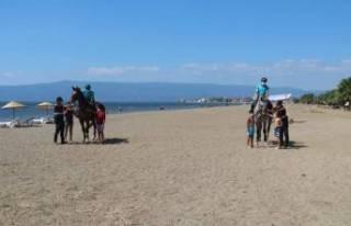 Bursa'nın sahilleri ve piknik alanları atlı...