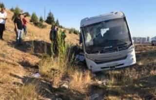 Yolcu otobüsü Aselsan servisine çarptı: Ölü...