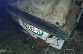Bursa'da takla atan araçtan itfaiye kurtardı