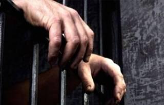 Bursa'da 27 yıl cezası olan şüpheli polis...