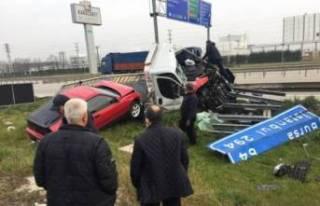 Bursa'da oto kurtarıcı kaza yaptı: 1 yaralı