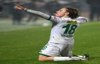 Bursaspor Ali Akman'ın sözleşmesini feshetti