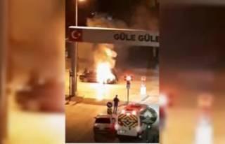 Bursa'da seyir halindeki araç alevlere teslim...