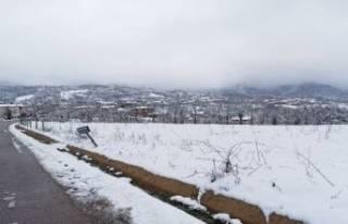 Bursa'nın merkez ilçelerinde kar kalınlığı...