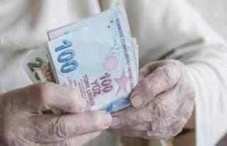 Milyonlarca emekli merakla bekliyordu! Bayram ikramiyesindeki...