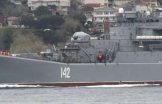 Rus savaş gemisi Novocherkassk, İstanbul Boğazı'ndan...