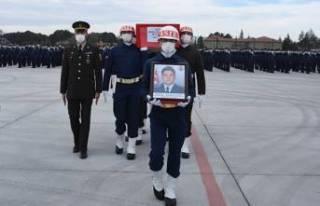 Şehit Türk Yıldızları pilotunun cenazesi memleketine...