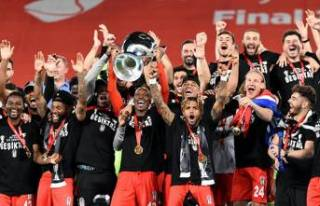 Beşiktaş sezonu çifte kupayla kapattı!