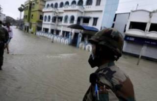 Hindistan'ı Yaas Kasırgası vurdu!