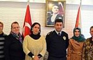 Ak Parti'li Kadınlardan Emniyet Müdürü Bilen'e...