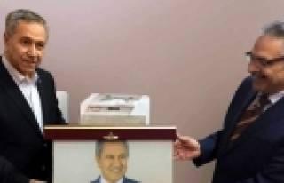 ARINÇ'TAN UMPAŞ HOLDING' E SÜRPRİZ ZİYARET