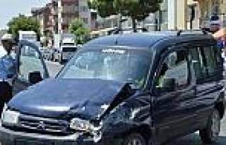 Banaz'da Trafik Kazası: 2 Yaralı