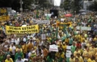 Brezilya'da muhalefet sokağa indi