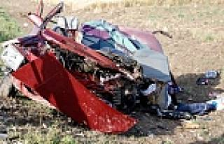 Burdur'da feci kaza: 2'si çocuk 5 kişi öldü