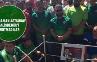 Bursaspor taraftarı kahraman Astsubay Halisdemir'i...