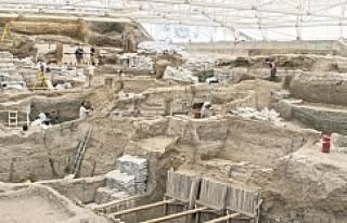Çatalhöyük'teki kazılarda tek bir savaş izine...