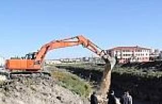 Cihanbeyli'de Kanal Boyu Islah Çalişmalari