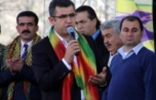 "Davutoğlu'na seslendi! ""Hodri meydan"""