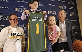 En küçük NBA oyuncusu kanseri yendi