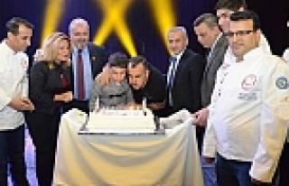 Haluk Levent'e doğum günü sürprizi