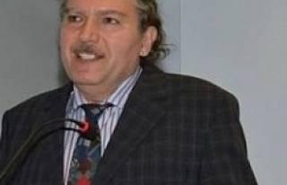 HDP paylaşımı yüzünden kovulan Prof Şentürk...