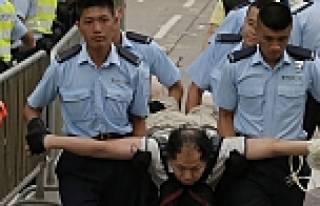 Hong Kong'da demokrasi yürüyüşü