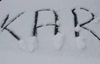 İstanbul'da kar kalınlığı 30 santimi buldu