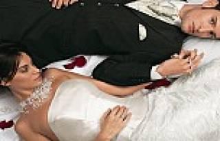 Mutlu evlilik için çıplak uyuyun