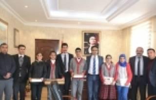 Teog Sınavında Dereceye Giren Öğrenciler Ödüllendirildi