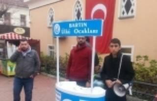 Ülkü Ocaklarının Düzenlediği İmza Kampanyası...