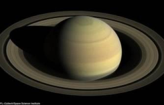 Cassini'nin yolladığı ilk görüntüler