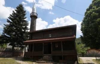 Bursa'da çivi çakılmadan yapılan cami 136 yıldır ibadete açık