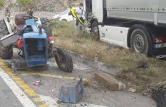 Bursa'da TIR ile traktör çarpıştı!
