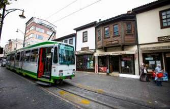 Cumhuriyet Caddesi'ndeki tramvay kalkıyor mu?