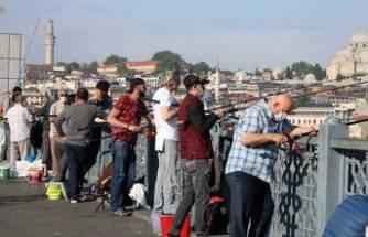 Galata Köprüsü'ne akın ettiler