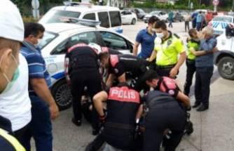 Bursa'da arbede! Polise direnip kaçmaya çalıştı!