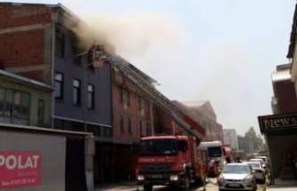 Bursa'da mobilya deposunda yangın