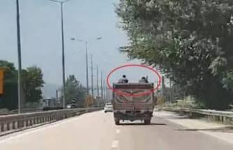 Bursa'da  tehlikeli yolculuk! Görenleri şaşırttı