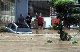 Rize'deki sel felaketinde ölenlerin sayısı 2'ye yükseldi