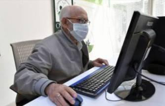 Bursa'da 86 yaşında bilgisayar kullanmayı öğrendi