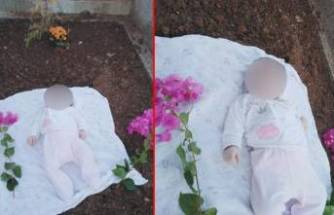 Doğduğu gün kaybettiği babasının mezarında!