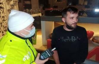 Bursa'da alkollü sürücü kısıtlamada kontrolden kaçtı kıskıvrak yakalandı