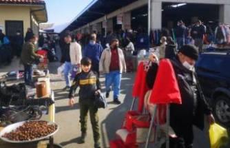 Bursa'da hurda pazarında korkutan kalabalık!