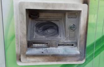 Bankaya sinirlenip ATM'yi yakmaya çalıştı!