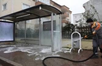 Bursa İnegöl'de otobüs durakları dezenfekte ediliyor