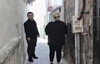 Bursa'nın en dar sokağı! İki kişi yan yana geçemiyor