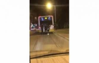 Bursa'da otobüs arkasında tehlikeli yolculuk
